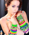 Bright young raver girl shows her cute titties